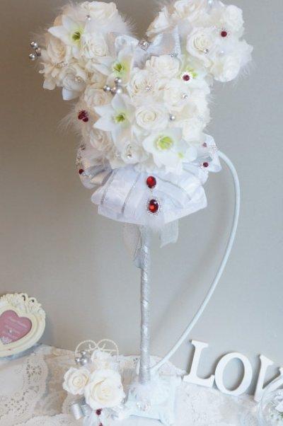 画像2: ステッキブーケミニー ホワイト薔薇とユーチャリス